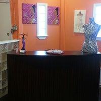 Photo prise au Salon Eminance (Callidora Studios) par Mz. M. le3/20/2013