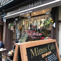 Foto scattata a Mimo's Cafe da softtempo il 12/10/2016