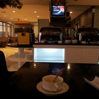 Photo taken at Blue Sky Executive Lounge by Andy Z. on 2/5/2012