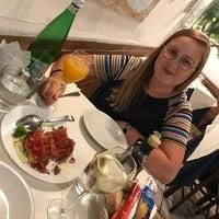 Foto scattata a Ambasciata di Capri da Maxim Dirk S. il 7/28/2018