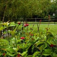 8/15/2013 tarihinde Lynn Universityziyaretçi tarafından Lynn University Butterfly Garden'de çekilen fotoğraf