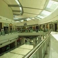 Foto tirada no(a) Independência Shopping por Ingrid S. em 10/21/2012