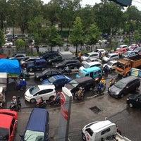 Photo taken at Jalan A. P. Pettarani by Yosi F. on 4/8/2013