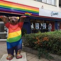 Das Foto wurde bei Brunos - Gay Shopping World von hiropage k. am 10/27/2013 aufgenommen