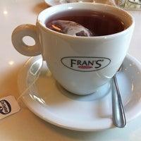 Foto tirada no(a) Fran's Café por Karin T. em 7/12/2013