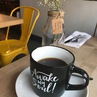Foto tomada en Threefold Cafe South Miami por D Johanna R. el 4/23/2017