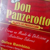 Photo taken at Don Panzerotto by Felipe G. on 8/24/2014