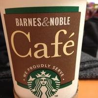 Снимок сделан в Barnes & Noble пользователем Daniela S. 12/28/2012