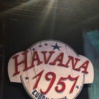 Foto tomada en Havana 1957 Cuban Cuisine Brickell por Josafat S. el 8/7/2017
