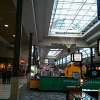 Photo prise au Great Lakes Mall par Terence M. le12/24/2012