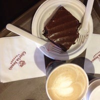 Photo taken at Gloria Jean's by Arwah H. on 9/3/2014