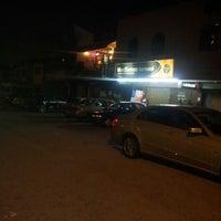 Photo taken at Restoran Bawang Merah by Abdul Gaffor M. on 10/9/2012