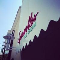 Das Foto wurde bei Sprinkles Ice Cream von Sherry F. am 8/16/2013 aufgenommen