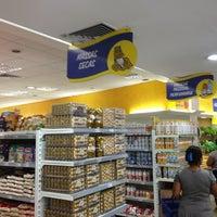 Foto tirada no(a) Supermercados Super Prix por Raul B. em 3/7/2013