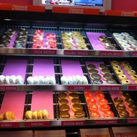 Photo taken at Dunkin Donuts by Arzan on 10/18/2012