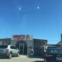 รูปภาพถ่ายที่ Nano's Taco Run โดย Joseph L. เมื่อ 10/7/2017