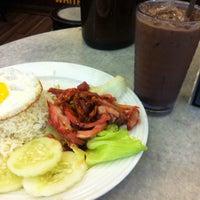 Photo taken at OldTown White Coffee by Ashraf M. on 4/20/2015