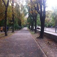 Снимок сделан в Павлівський сквер пользователем Доноша М. 9/8/2013