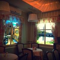 Снимок сделан в Подшоffe пользователем Natalya M. 11/28/2012