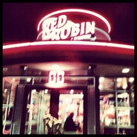 Photo taken at Red Robin Gourmet Burgers by Gnome S. on 10/10/2012