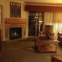 Photo taken at Lakeside Terrace Villas, Avon / Vail Valley by Keila on 12/14/2012