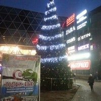Снимок сделан в ТЦ «Ворошиловский» пользователем Дмитрий Н. 12/7/2012