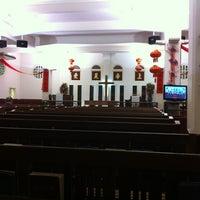 Photo taken at Telok Ayer Chinese Methodist Church by H L K. on 2/10/2013