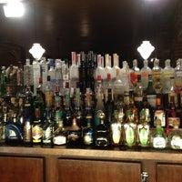 Das Foto wurde bei Julep's New York Bar & Restaurant von Anastasia V. am 1/15/2013 aufgenommen