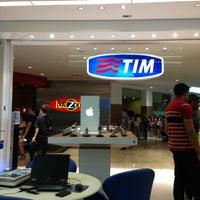 Photo taken at Loja TIM by Antonio Carlos R. on 1/3/2013