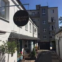Снимок сделан в Schöndorf Bio Cafe пользователем Erich J. 8/15/2017