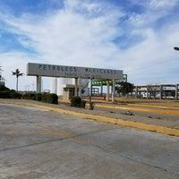 Photo taken at Terminal de Operaciones Maritimas y Portuarias de Salina Cruz. Muelle de Pemex. by Marco P. on 12/1/2017