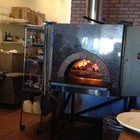 3/21/2013 tarihinde Christine N.ziyaretçi tarafından Coalfire'de çekilen fotoğraf