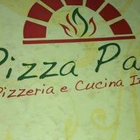 Foto tirada no(a) Pizza Pazza por Daniel S. em 11/18/2012