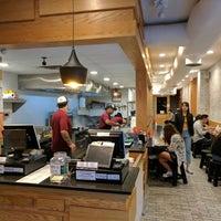7/25/2017 tarihinde Juston P.ziyaretçi tarafından Xi'an Famous Foods'de çekilen fotoğraf