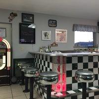Photo taken at 50s Diner Backseat Bar by Jmin on 4/1/2015
