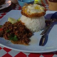 Photo taken at Nasi Pakapau Seksyen 17 PJ by Budi D. on 12/6/2014