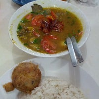 Photo taken at Soto Madura Bapak H. Ngatidjo Roxy by Hendryco C. on 3/27/2013