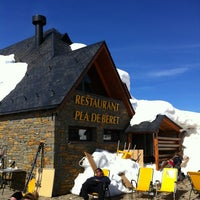 Photo taken at Cafetería 1800 Baqueira/Beret by Aitor M. on 3/3/2013