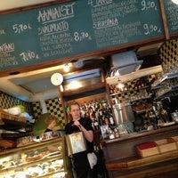 Das Foto wurde bei Café Tin Tin Tango von Vaidas B. am 1/26/2013 aufgenommen