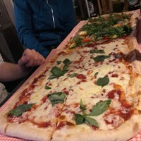 4/7/2018 tarihinde Max B.ziyaretçi tarafından Pazzi X Pizza'de çekilen fotoğraf
