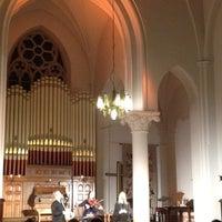 Снимок сделан в Англиканская церковь Святого Искупителя пользователем Lelde L. 11/11/2012