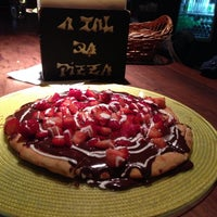 Photo taken at A Tal da Pizza by Alfredo M. on 7/28/2013