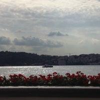 10/11/2012 tarihinde Farahziyaretçi tarafından Four Seasons Hotel Bosphorus'de çekilen fotoğraf