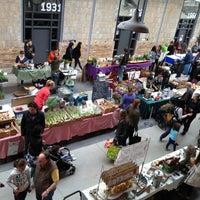 Foto tomada en Wychwood Barns Farmers' Market por Kevin F. el 5/11/2013