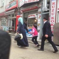 Photo taken at Karaca Köftecisi İsa Usta by Oğuzhan ö. on 4/27/2014