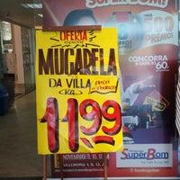 Foto tirada no(a) Superbom Supermercado por Leonardo S. em 1/3/2014