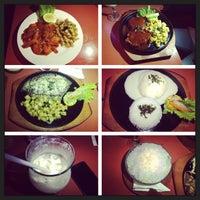 Photo taken at Aloha Aina Chef Dimas -Refined Hawaiian Cuisine by Chef Dimas Soeyono. by Keanu S. on 7/25/2013