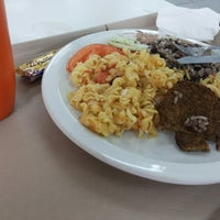 Photo taken at Restaurante Universitário by Taís S. on 3/6/2014