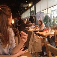 Das Foto wurde bei Coffeemania von Irina A. am 10/13/2012 aufgenommen