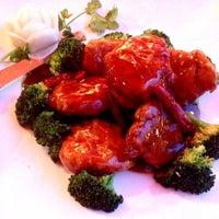 Foto diambil di Vegetarian Ginger oleh Ronald B. pada 10/1/2014